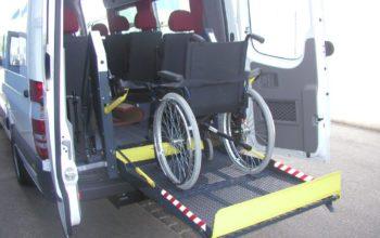 Hayon pour personnes à mobilité réduite